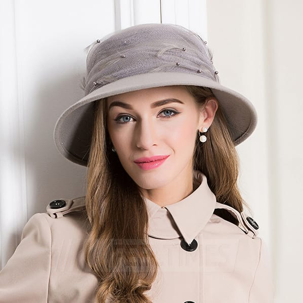 Ladies' Elegant/Beautiful Wool Bowler/Cloche Hats/Tea Party Hats With Tulle Feather Beading