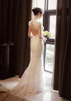 Trumpet/Mermaid High-Neck Sleeveless Sweep Train Lace Wedding Dress With Appliqued