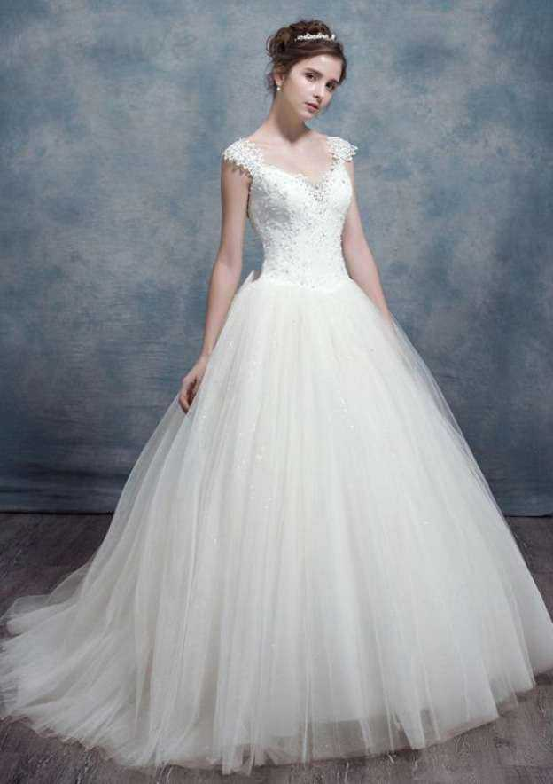 Ball Gown Scalloped Neck Sleeveless Sweep Train Tulle Wedding Dress With Bowknot Lace