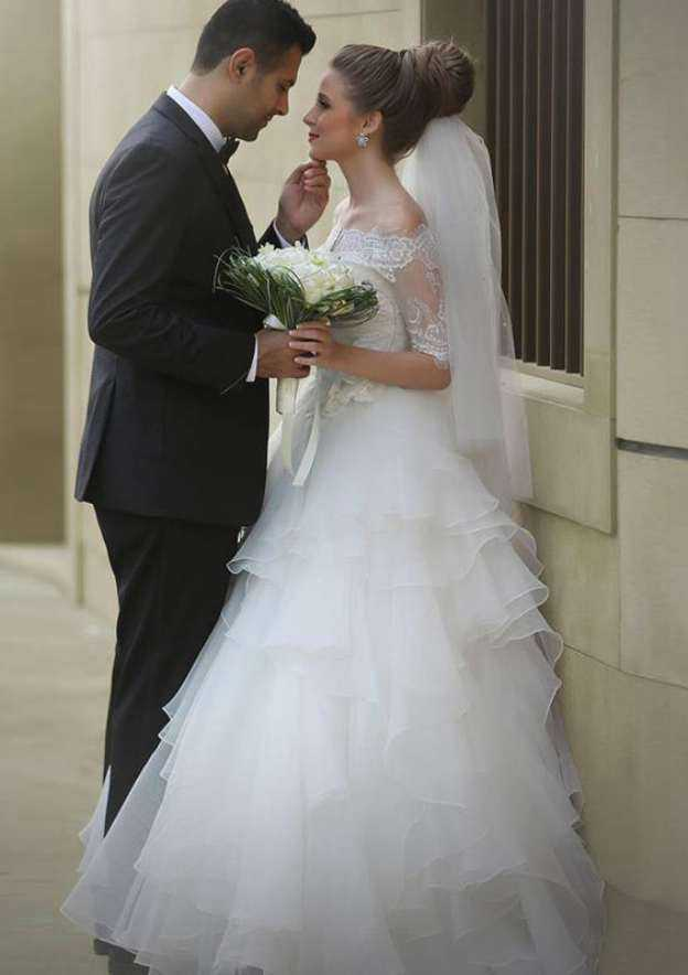 Ball Gown Off-The-Shoulder Half Sleeve Long/Floor-Length Organza Wedding Dress With Appliqued