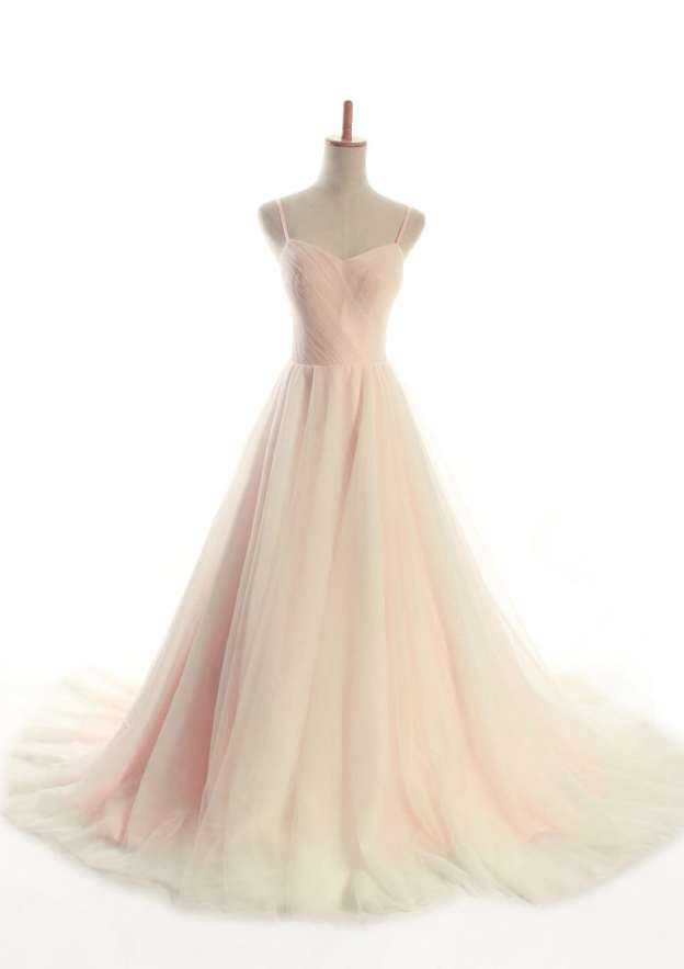 A-Line/Princess Sweetheart Sleeveless Court Train Tulle Wedding Dress