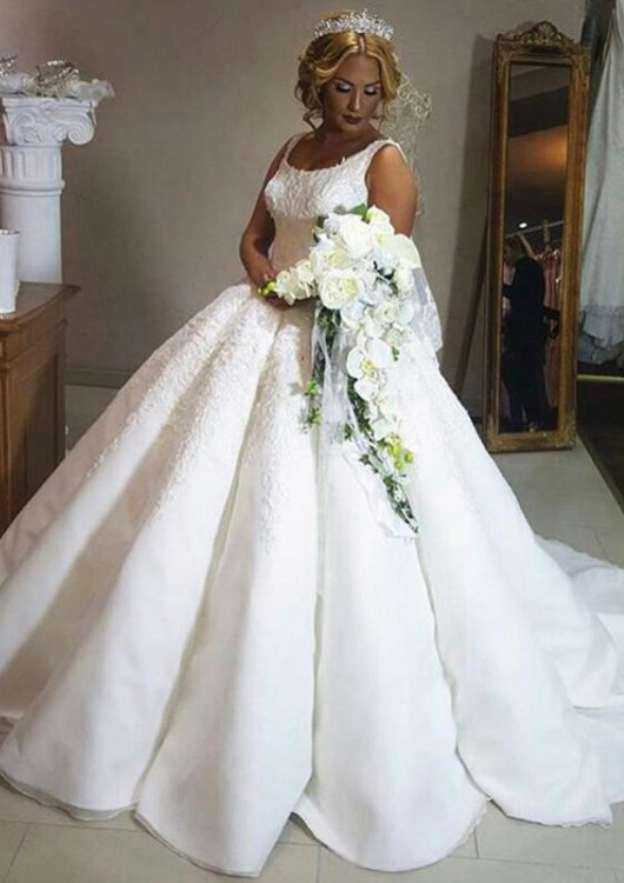 Ball Gown Bateau Sleeveless Court Train Organza Wedding Dress With Appliqued