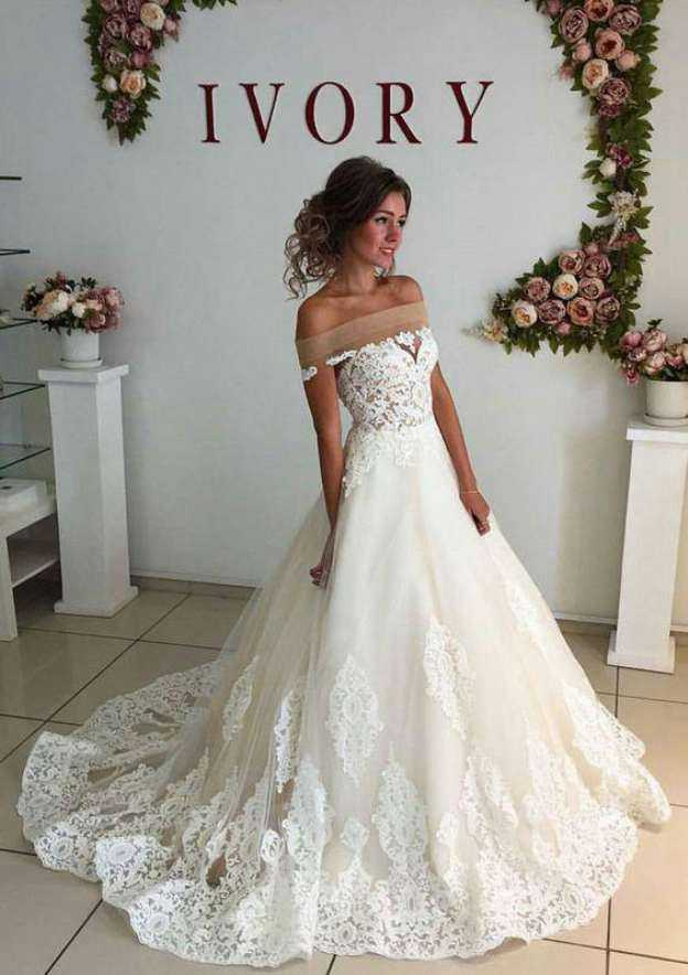 Ball Gown Off-The-Shoulder Sleeveless Court Train Tulle Wedding Dress With Appliqued Lace