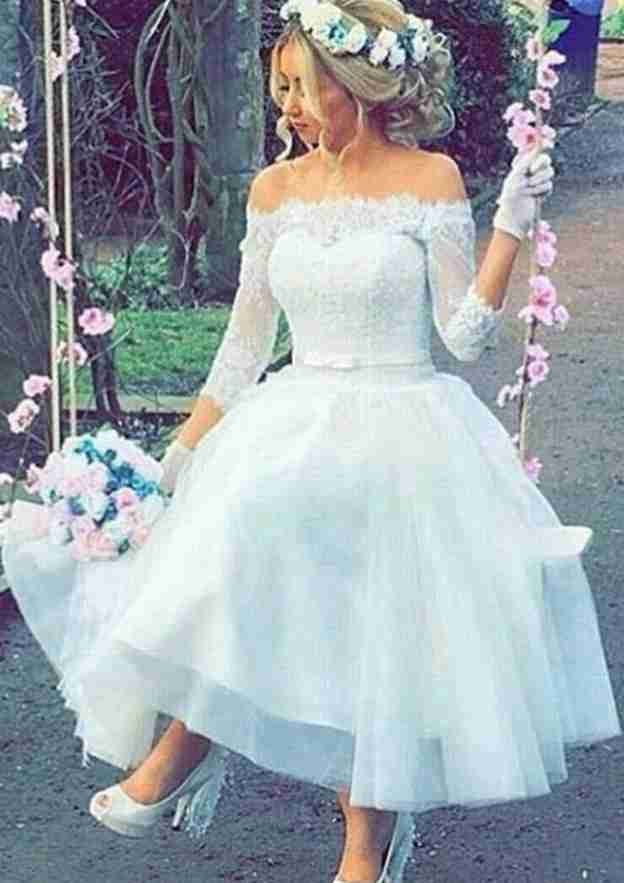A-Line/Princess Off-The-Shoulder 3/4 Sleeve Tea-Length Tulle Wedding Dress With Bowknot Lace Sashes