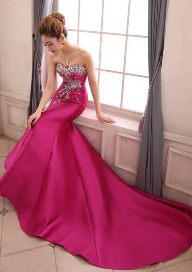 Trumpet/Mermaid Sweetheart Sleeveless Court Train Satin Evening Dress With Rhinestone Beading