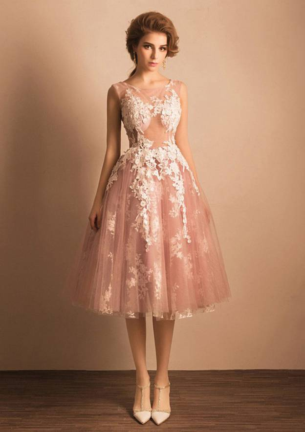 Ball Gown Bateau Sleeveless Tea-Length Tulle Prom Dress With Appliqued