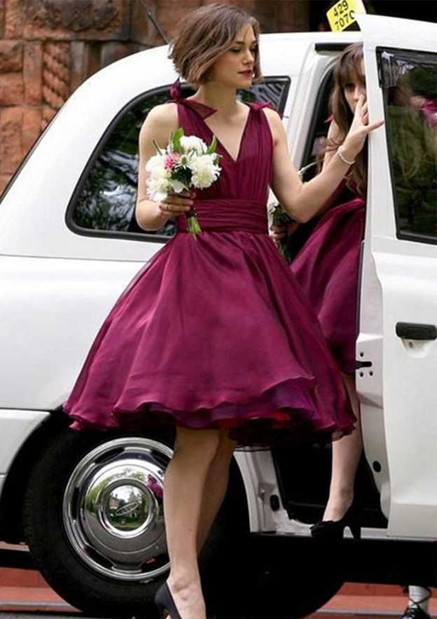 Ball Gown V Neck Sleeveless Knee-Length Chiffon Bridesmaid Dress With Bowknot Pleated