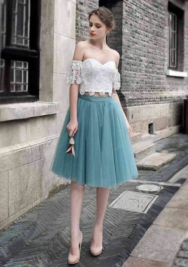 A-Line/Princess Off-The-Shoulder Sleeveless Knee-Length Tulle Prom Dress With Lace