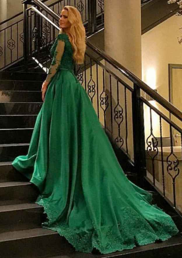 Ball Gown V Neck Full/Long Sleeve Chapel Train Tulle Prom Dress With Appliqued Beading