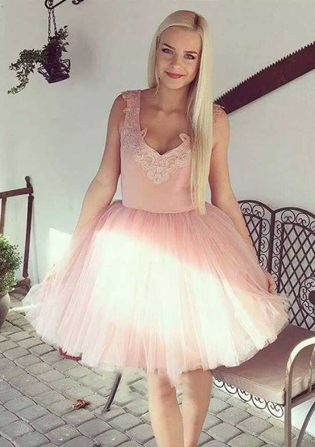 Ball Gown Scalloped Neck Sleeveless Short/Mini Tulle Homecoming Dress With Appliqued Pleated