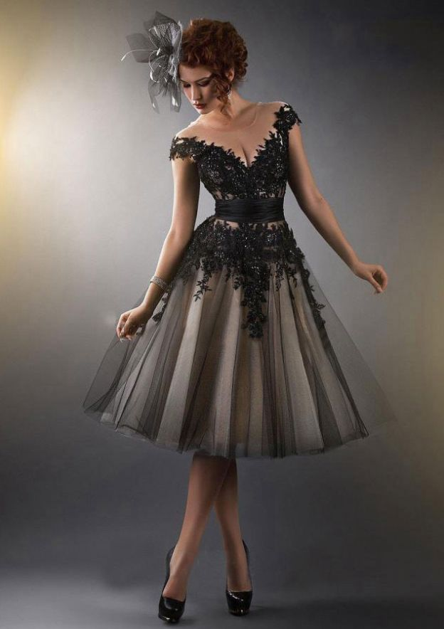 A-Line/Princess Scoop Neck Sleeveless Knee-Length Tulle Homecoming Dress With Beading Appliqued