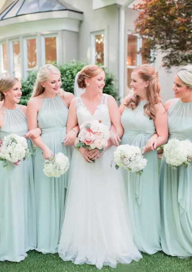 A-Line/Princess Scoop Neck Sleeveless Long/Floor-Length Chiffon Bridesmaid Dresses