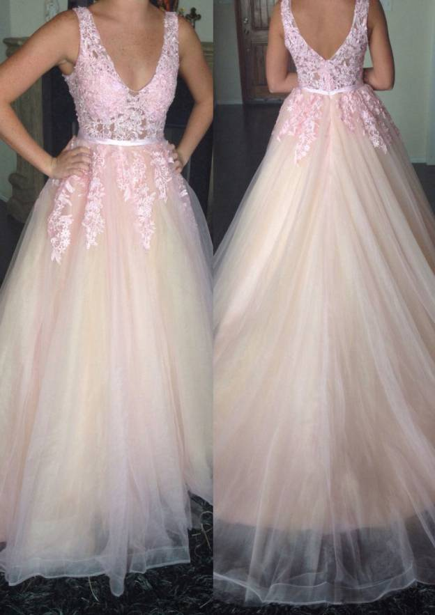 A-Line/Princess V Neck Sleeveless Sweep Train Tulle Prom Dress With Appliqued