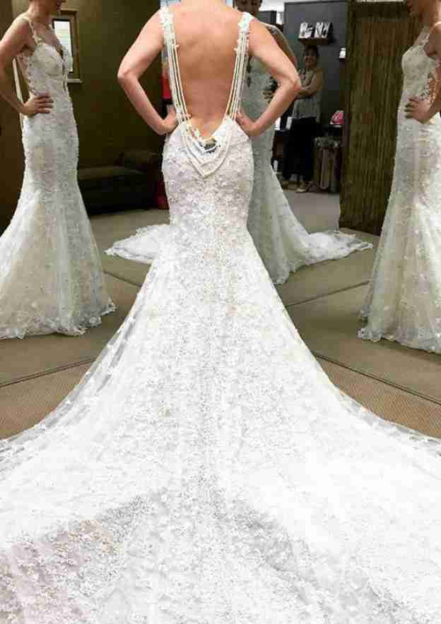 Trumpet/Mermaid Sweetheart Sleeveless Cathedral Train Lace Wedding Dress With Appliqued Beading