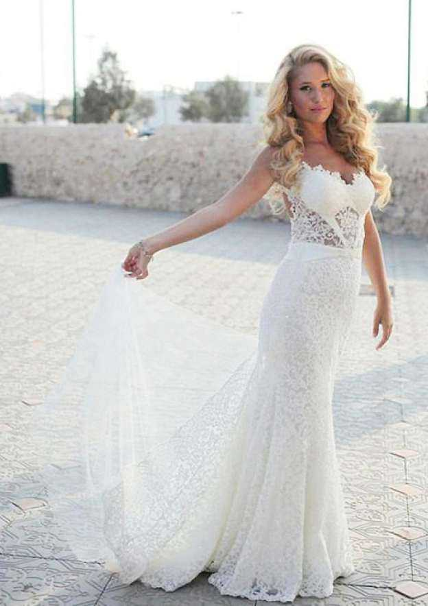 Sheath/Column Scalloped Neck Sleeveless Sweep Train Lace Wedding Dresses With Appliqued