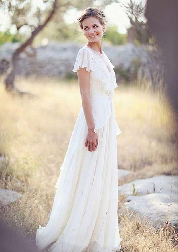 A-Line/Princess V Neck Sleeveless Sweep Train Chiffon Wedding Dress With Appliqued Flowers Side Draping