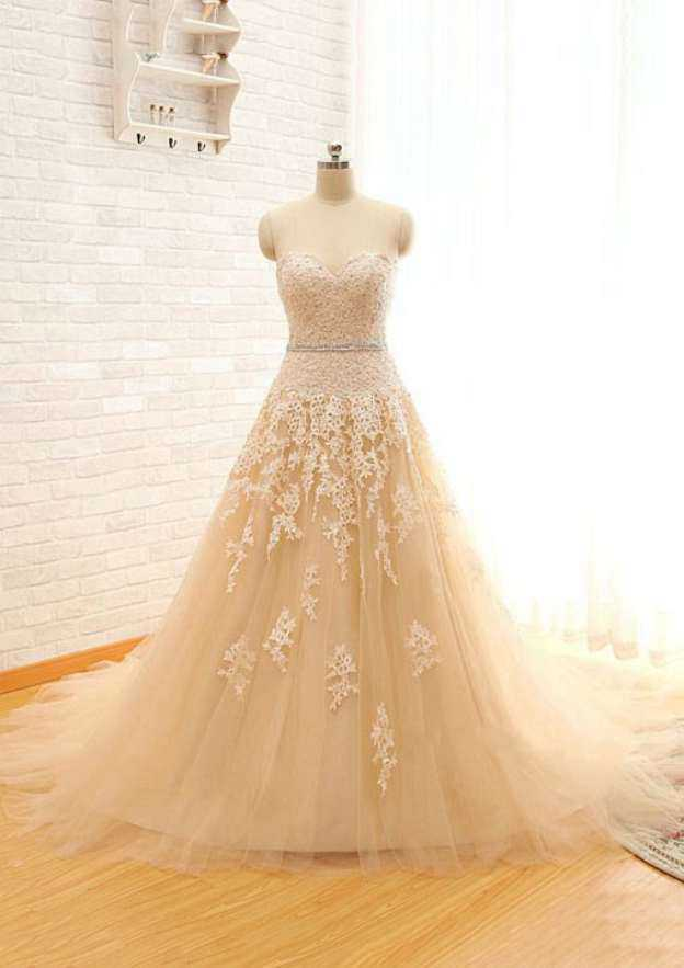 Sheath/Column Sweetheart Sleeveless Court Train Tulle Wedding Dress With Appliqued Lace Waistband