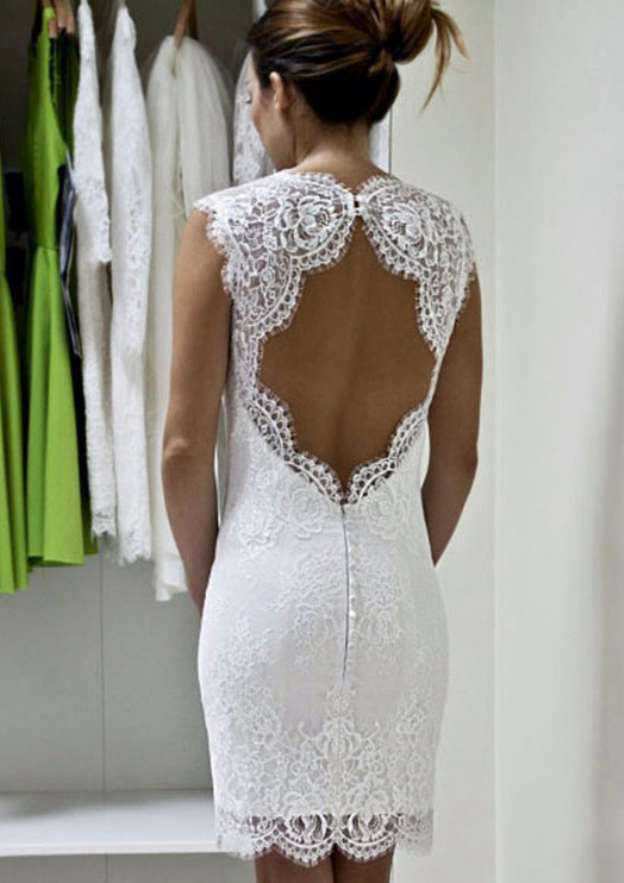 Sheath/Column Scalloped Neck Sleeveless Short/Mini Lace Wedding Dress With Appliqued