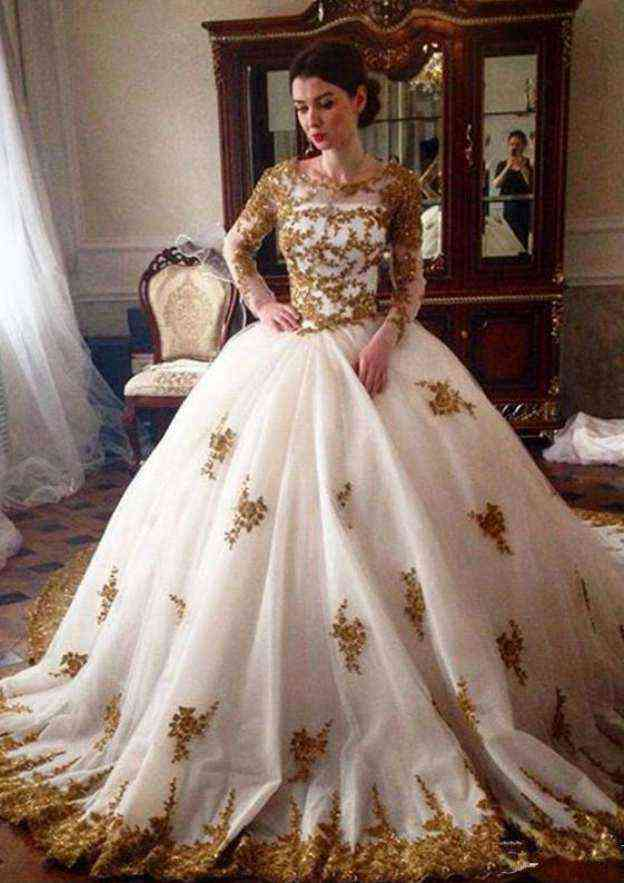 Ball Gown Bateau Full/Long Sleeve Chapel Train Tulle Wedding Dress Appliqued Beading