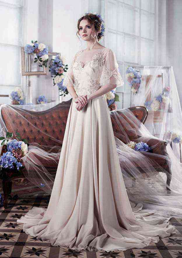 A-Line/Princess Bateau Half Sleeve Sweep Train Chiffon Wedding Dress With Appliqued