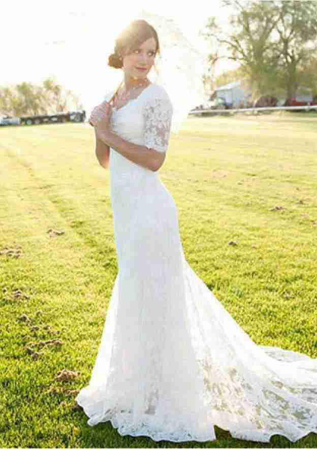 Sheath/Column Scalloped Neck Short Sleeve Court Train Lace Wedding Dress With Appliqued