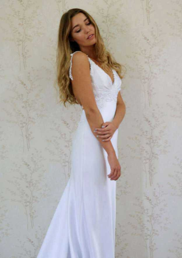 Sheath/Column V Neck Sleeveless Court Train Elastic Satin Wedding Dress With Appliqued