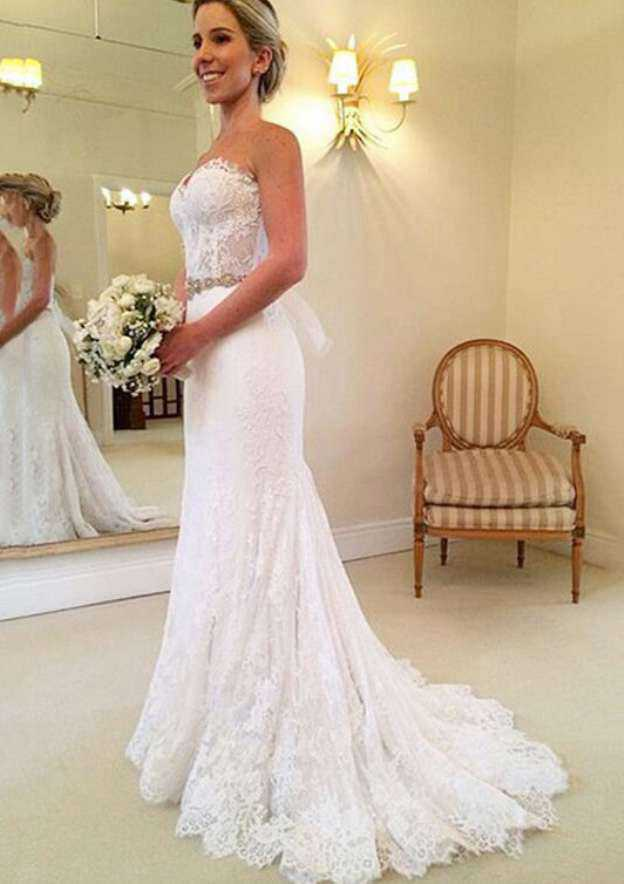 Sheath/Column Sweetheart Sleeveless Court Train Lace Wedding Dress With Appliqued Bowknot Waistband