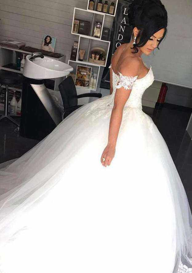 Ball Gown Off-The-Shoulder Sleeveless Court Train Tulle Wedding Dress With Appliqued