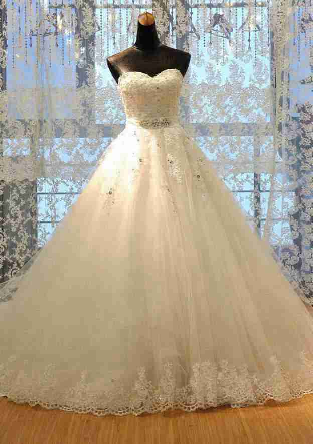 Ball Gown Sweetheart Sleeveless Court Train Tulle Wedding Dress With Appliqued Waistband Rhinestone