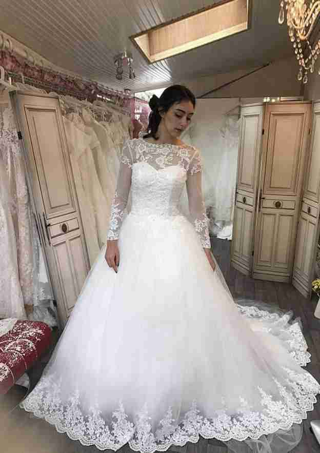 Ball Gown Scalloped Neck Full/Long Sleeve Chapel Train Tulle Wedding Dress With Appliqued Lace