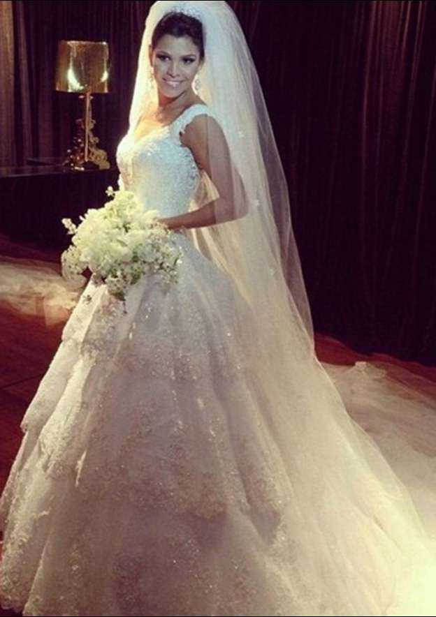 Ball Gown Scalloped Neck Sleeveless Chapel Train Tulle Wedding Dress With Appliqued Beading