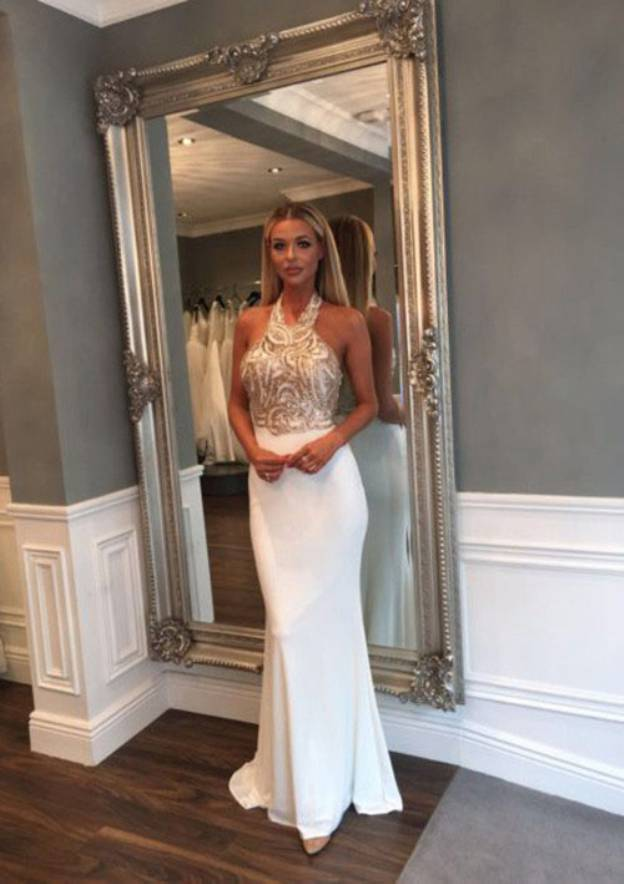 Sheath/Column Halter Sleeveless Sweep Train Jersey Prom Dress With Sequins