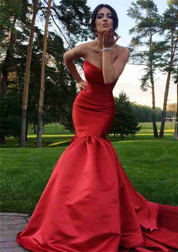 Trumpet/Mermaid Sweetheart Sleeveless Court Train Satin Evening Dress