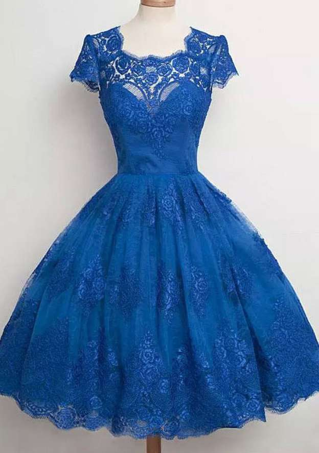 Ball Gown Scalloped Neck Sleeveless Knee-Length Lace Homecoming Dress With Appliqued