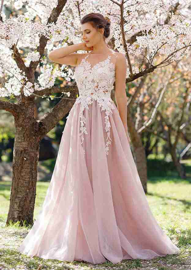 A-Line/Princess Scoop Neck Sleeveless Long/Floor-Length Tulle Prom Dress With Appliqued