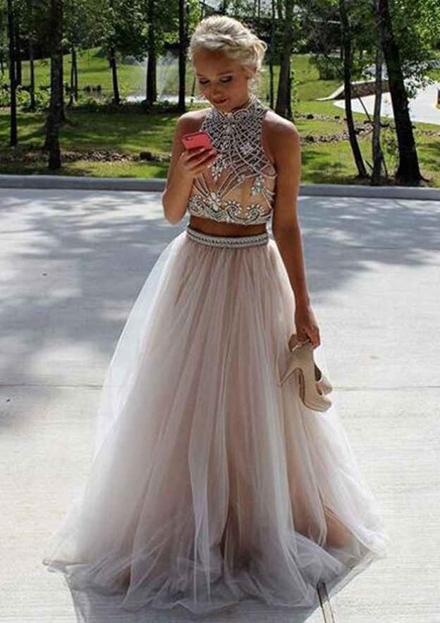A-Line/Princess Scoop Neck Sleeveless Long/Floor-Length Tulle Prom Dress With Beading