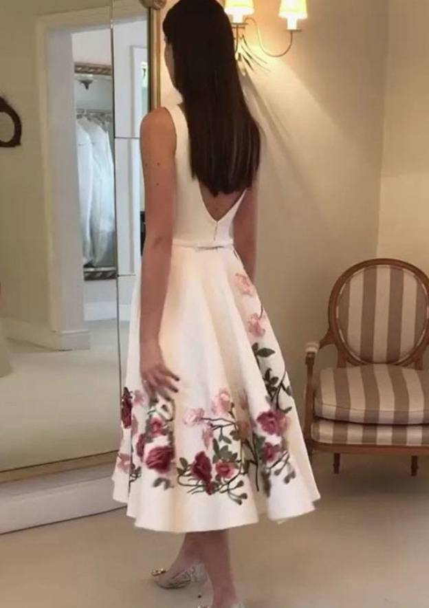 A-Line/Princess Bateau Sleeveless Tea-Length Satin Prom Dress With Appliqued