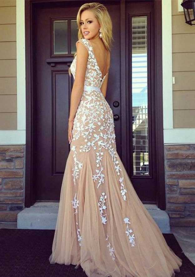 Sheath/Column Bateau Sleeveless Court Train Tulle Prom Dress With Appliqued