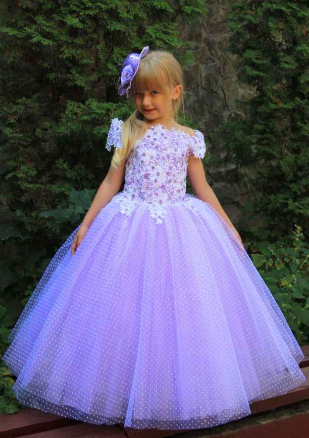 Ball Gown Scalloped Neck Sleeveless Long/Floor-Length Tulle Flower Girl Dress With Appliqued Crystal Lace