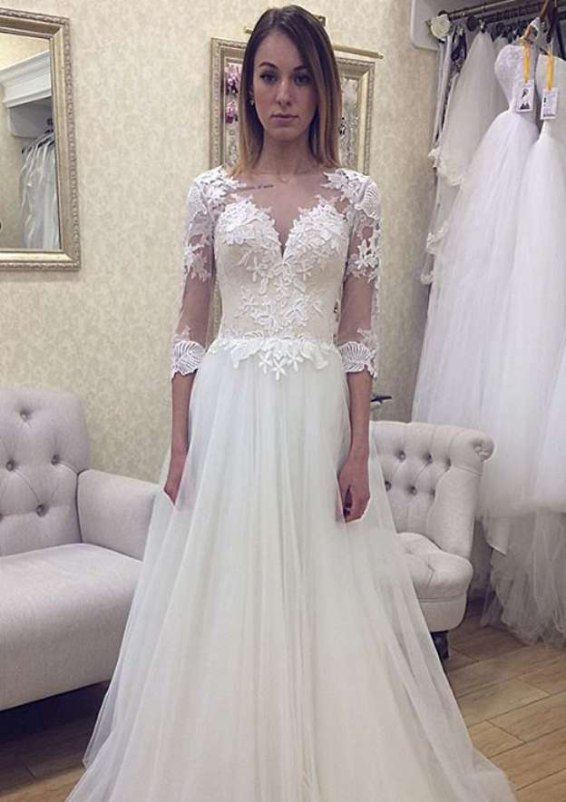 A-Line/Princess Bateau Half Sleeve Court Train Tulle Wedding Dress With Appliqued