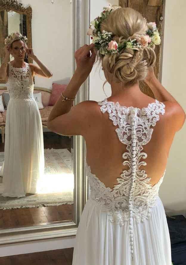 A-Line/Princess Scoop Neck Sleeveless Long/Floor-Length Chiffon Wedding Dress With Appliqued