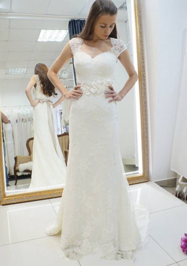 Sheath/Column Scalloped Neck Sleeveless Court Train Lace Wedding Dress With Sashes