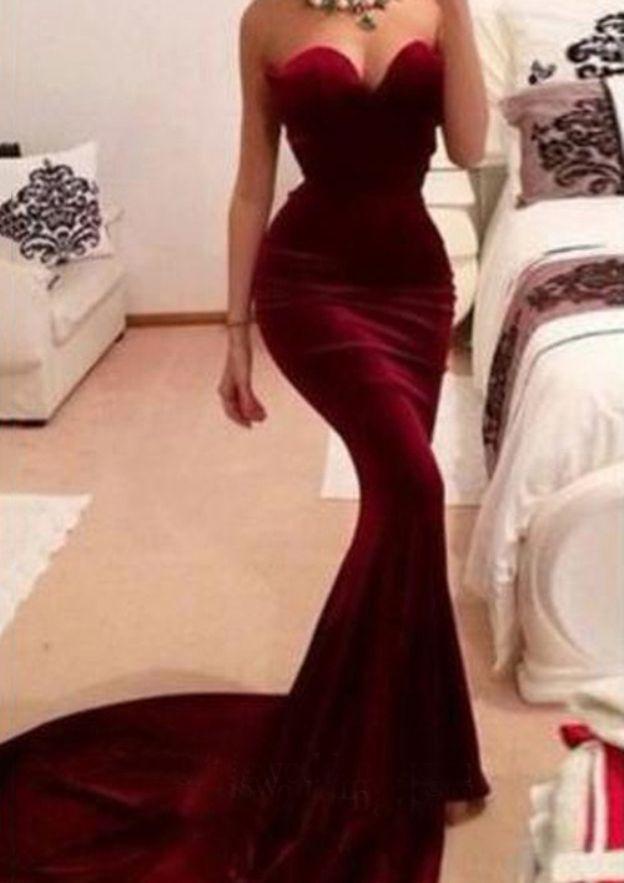 Sheath/Column Sweetheart Sleeveless Court Train Velvet Evening Dress