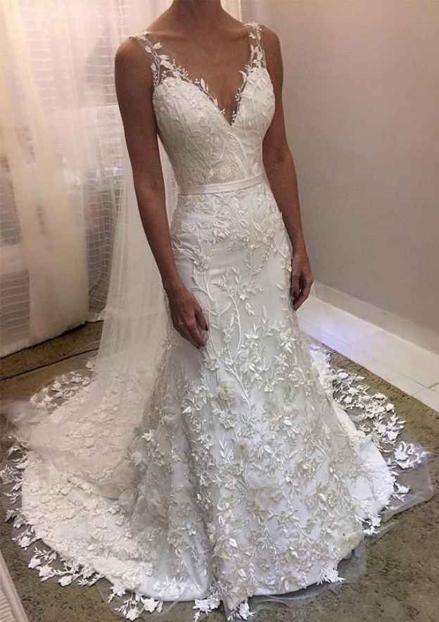 Sheath/Column V Neck Sleeveless Court Train Lace Wedding Dress With Appliqued