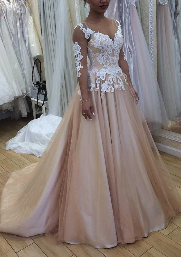A-Line/Princess Bateau 3/4 Sleeve Court Train Tulle Wedding Dress With Appliqued