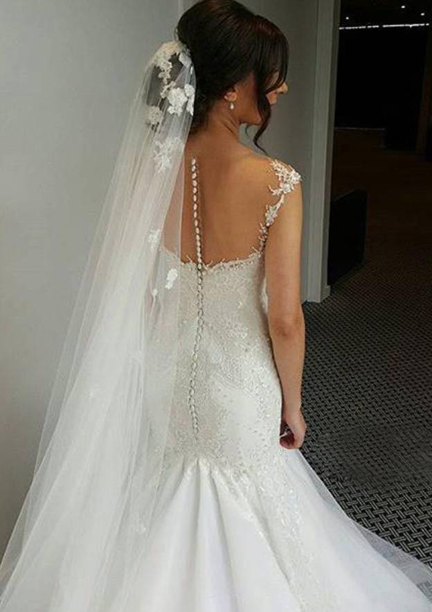 Sheath/Column Sweetheart Sleeveless Chapel Train Tulle Wedding Dress With Appliqued Lace