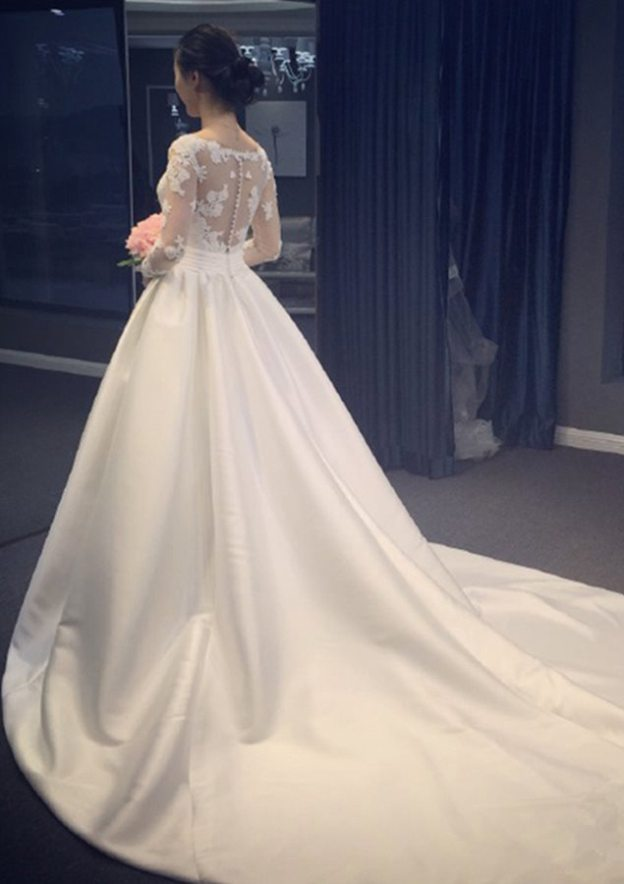 A-Line/Princess V Neck Full/Long Sleeve Chapel Train Satin Wedding Dress With Appliqued