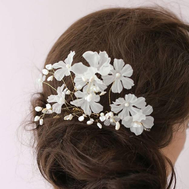Alloy Ladies Hairpins With Imitation Crystal Flower
