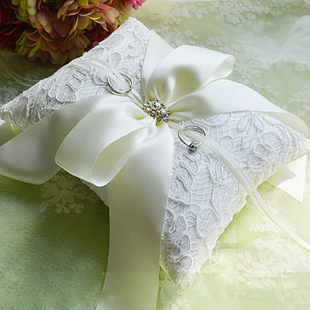 Wedding White Lace Ring Pillows With Rhinestone Bowknot Ribbons