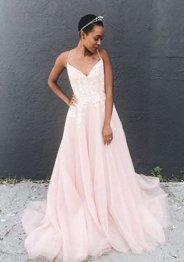 A-Line/Princess Scoop Neck Sleeveless Court Train Tulle Prom Dress With Appliqued